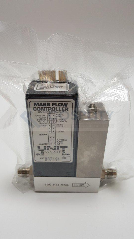 UNIT UFC-1200A MASS FLOW CONTROLLER GAS N2 / 100SCCM