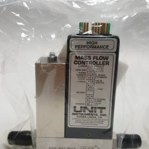 UNIT UFC-1400A MASS FLOW CONTROLLER GAS He / 20SCCM