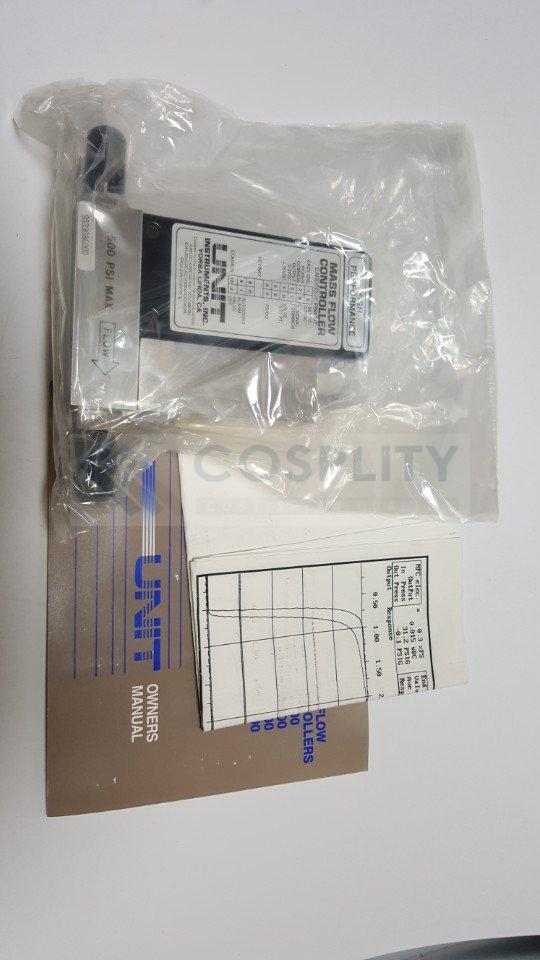 UNIT UFC-1200A MASS FLOW CONTROLLER GAS He / 500SCCM